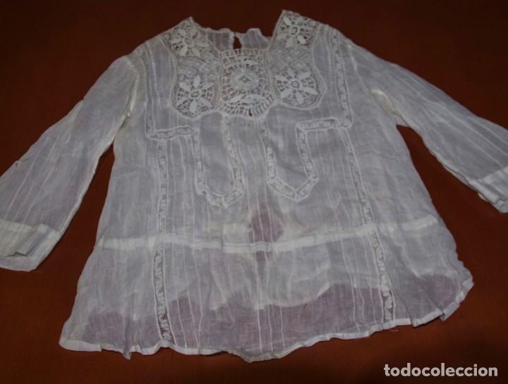 Antigüedades: Camisa interior de fino algodón con puntilla y bordados - Foto 11 - 190632987