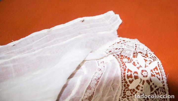 Antigüedades: Camisa interior de fino algodón con puntilla y bordados - Foto 5 - 190632987