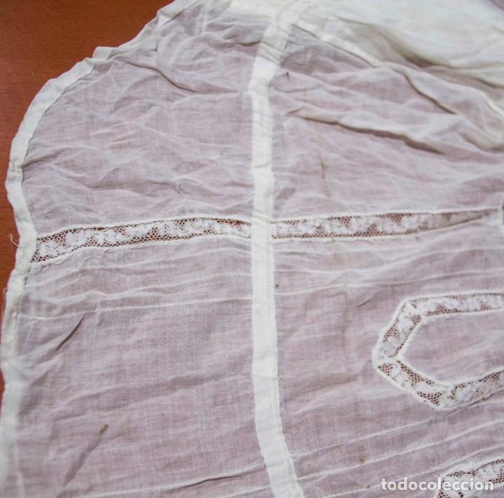 Antigüedades: Camisa interior de fino algodón con puntilla y bordados - Foto 7 - 190632987