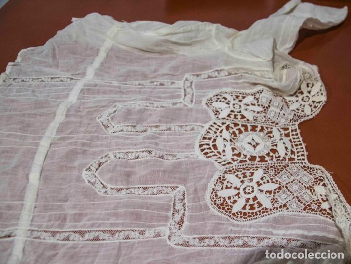 Antigüedades: Camisa interior de fino algodón con puntilla y bordados - Foto 9 - 190632987