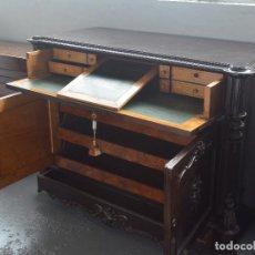 Antigüedades: ESCRITORIO ISABELINO MADERA PALOSANTO Y LIMONCILLA SIGLO XIX. Lote 190690786