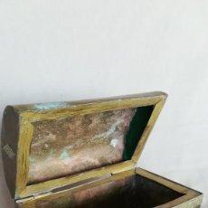 Antigüedades: COFRE DE COBRE Y LATON. Lote 190700677
