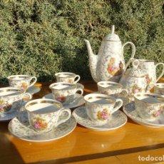Antiquités: JUEGO DE CAFÉ DE PORCELANA C.P. LIMOGES. DECORADO CON ORO Y ESCENAS ROMANTICAS DE FRAGONARD. Lote 190725815
