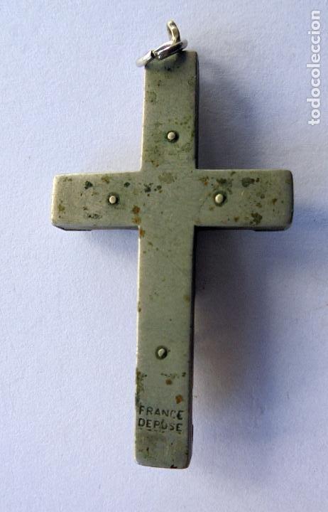 Antigüedades: Antigua Cruz. S.XIX.pp.XX Metal y madera. (36 mm x 22 mm) - Foto 2 - 190734073