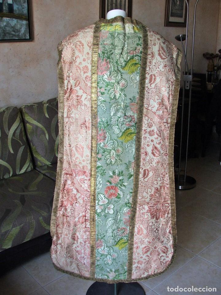 Antigüedades: Casulla del siglo XVII - XVIII en seda espolinada y bordados - Foto 5 - 190765723