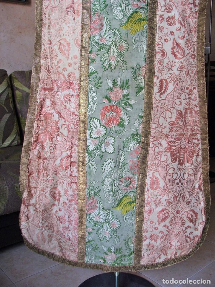 Antigüedades: Casulla del siglo XVII - XVIII en seda espolinada y bordados - Foto 6 - 190765723