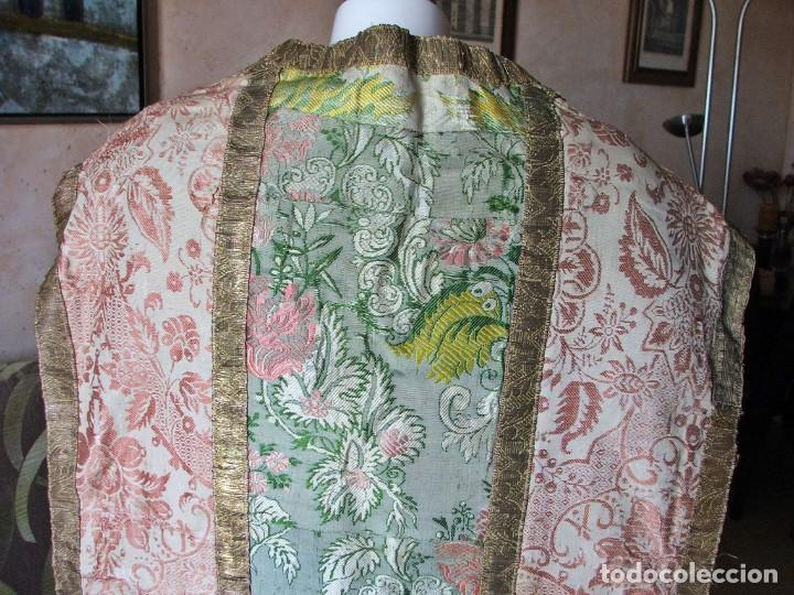Antigüedades: Casulla del siglo XVII - XVIII en seda espolinada y bordados - Foto 7 - 190765723