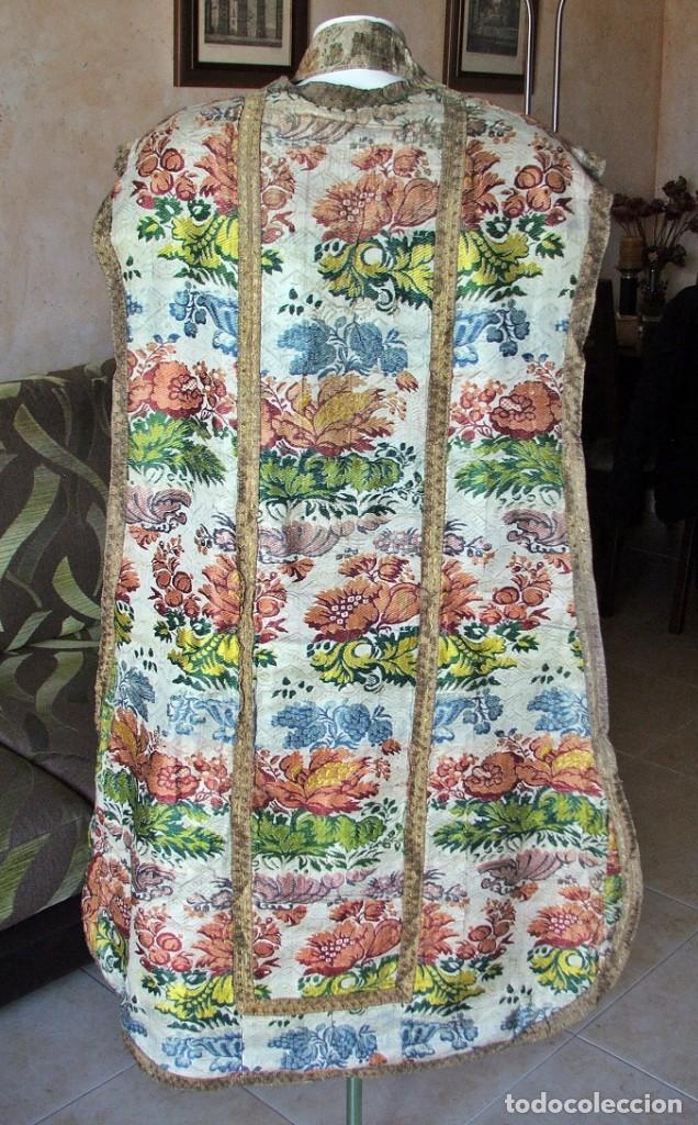 Antigüedades: Casulla del siglo XVII - XVIII en seda espolinada y bordados - Foto 6 - 190770080