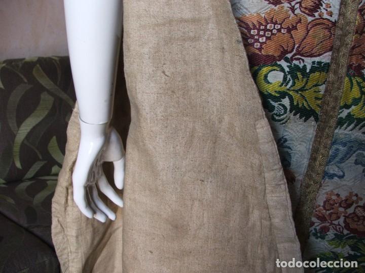 Antigüedades: Casulla del siglo XVII - XVIII en seda espolinada y bordados - Foto 9 - 190770080