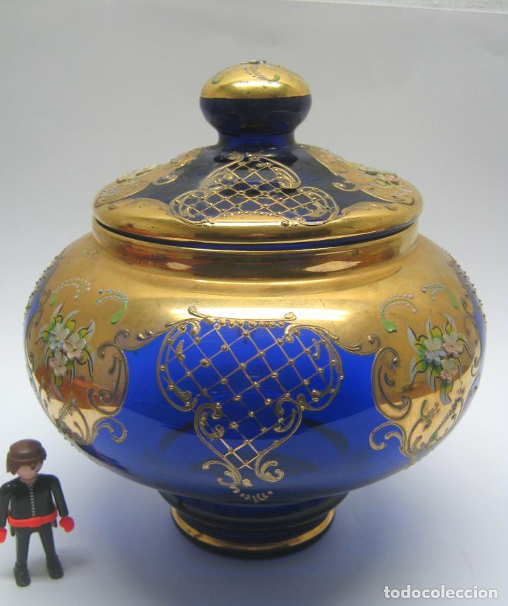IMPRESIONANTE PONCHERA BOMBONERA EN CRISTAL COBALTO Y ORO (Antigüedades - Cristal y Vidrio - Murano)
