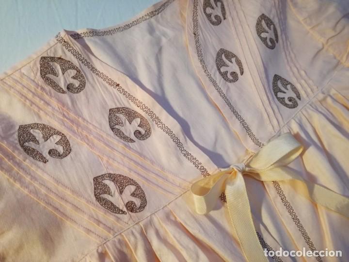 Antigüedades: LENCERIA BORDADA HECHA A MANO. AÑOS 50 - Foto 7 - 190773578
