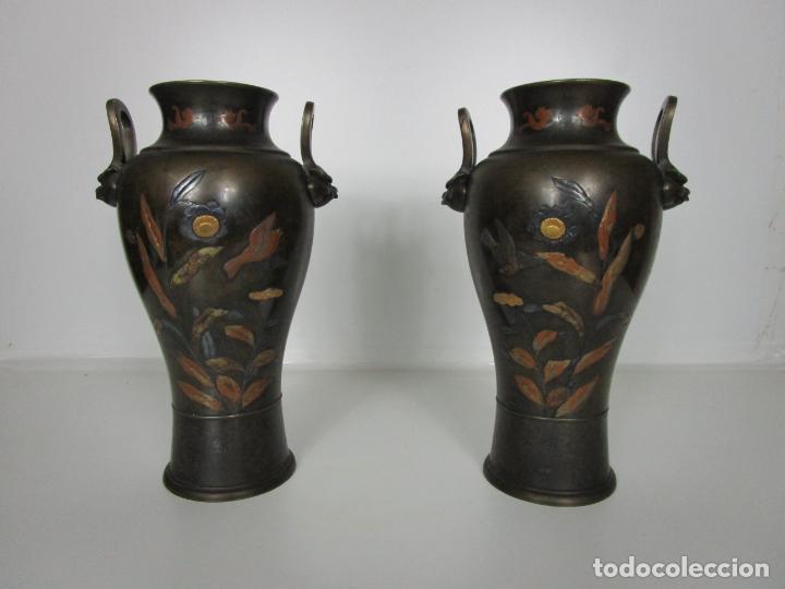 Antigüedades: Pareja de Jarrones Chinos - Bronce Pavonado - Decoraciones Esmaltadas - S. XIX - Foto 2 - 190796623
