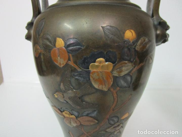 Antigüedades: Pareja de Jarrones Chinos - Bronce Pavonado - Decoraciones Esmaltadas - S. XIX - Foto 10 - 190796623