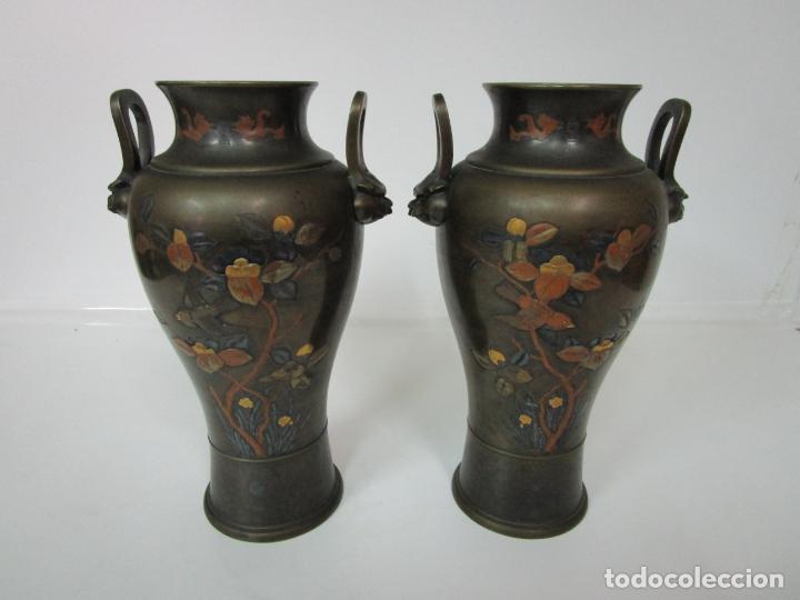 Antigüedades: Pareja de Jarrones Chinos - Bronce Pavonado - Decoraciones Esmaltadas - S. XIX - Foto 17 - 190796623