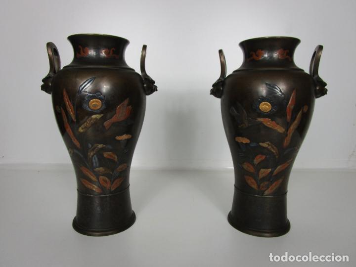 Antigüedades: Pareja de Jarrones Chinos - Bronce Pavonado - Decoraciones Esmaltadas - S. XIX - Foto 18 - 190796623