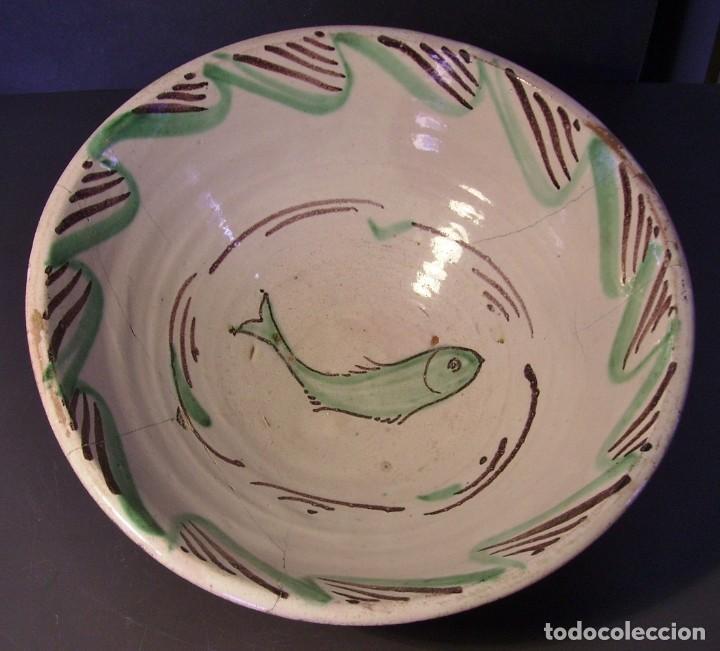 ROTUNDO PLATO CERÁMICA DE TERUEL XIX (Antigüedades - Porcelanas y Cerámicas - Teruel)