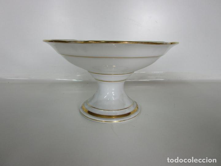 Antigüedades: Decorativo Juego de Fruteras Isabelinas - Frutera Porcelana Dorada - Altura 14 cm - S. XIX - Foto 8 - 190817563