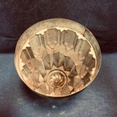 Antigüedades: ANTIGUO MOLDE DE ZINC REPOSTERÍA BIZCOCHOS DULCES TARTAS FINALES S XIX PPIO S XX 22X15 CM. Lote 190825797