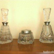 Antigüedades: ANTIGUO JUEGO DE TOCADOR EN CRISTAL TALLADO - TRES PIEZAS. Lote 190826885