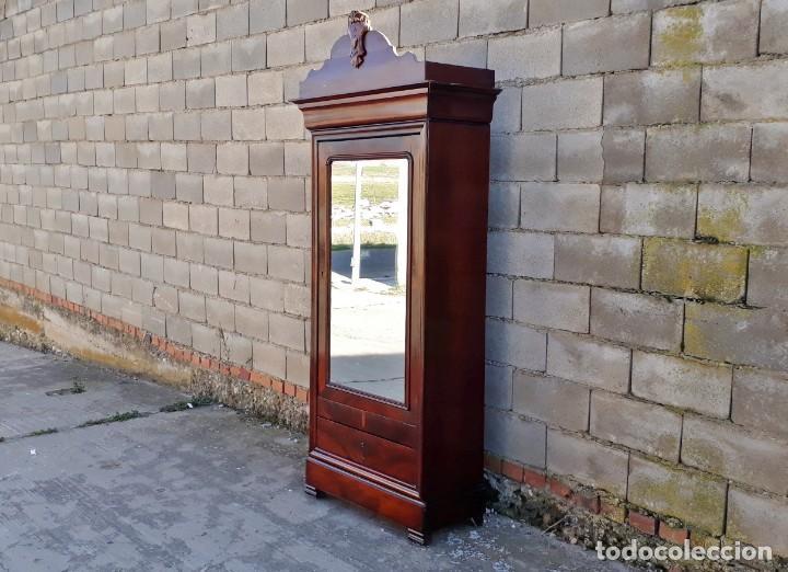Antigüedades: Armario antiguo estilo Luis Felipe. Pequeño estrecho armario con espejo. - Foto 4 - 190836530