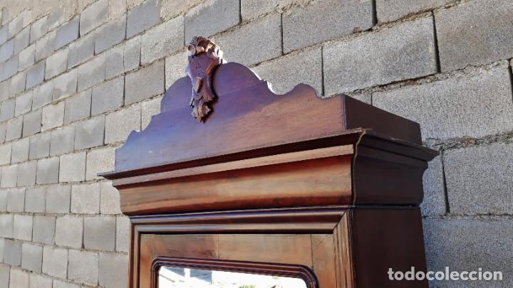 Antigüedades: Armario antiguo estilo Luis Felipe. Pequeño estrecho armario con espejo. - Foto 6 - 190836530