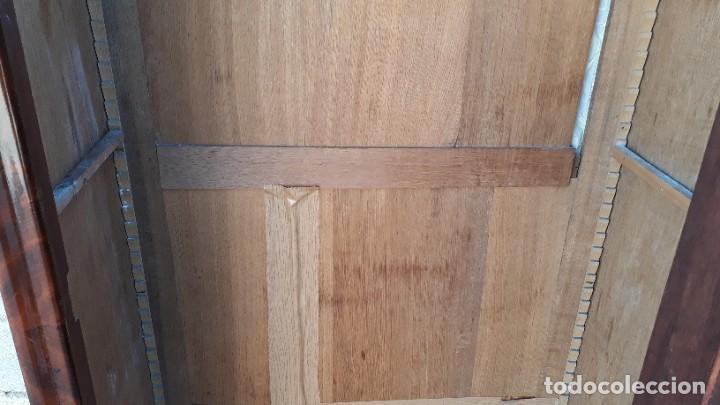 Antigüedades: Armario antiguo estilo Luis Felipe. Pequeño estrecho armario con espejo. - Foto 12 - 190836530