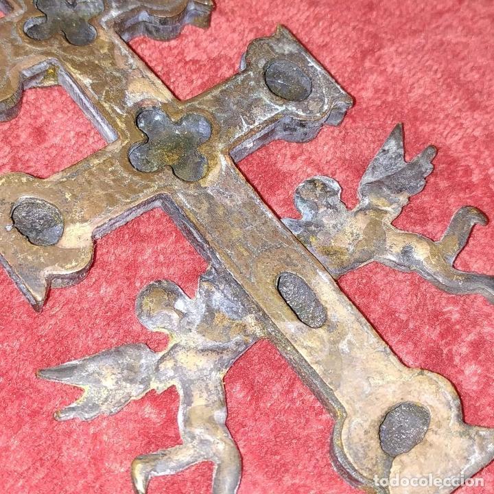 Antigüedades: CRUZ DE CARAVACA. BRONCE DORADO. ESPAÑA. XVIII-XIX - Foto 10 - 190840767