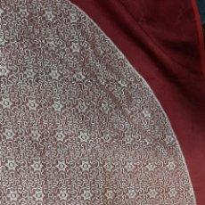 Antigüedades: TOCA DE SOBREMANTO DE ENCAJE PARA VIRGEN COLOR MARFIL. MIDE 140 X 110 CM.. Lote 190844651