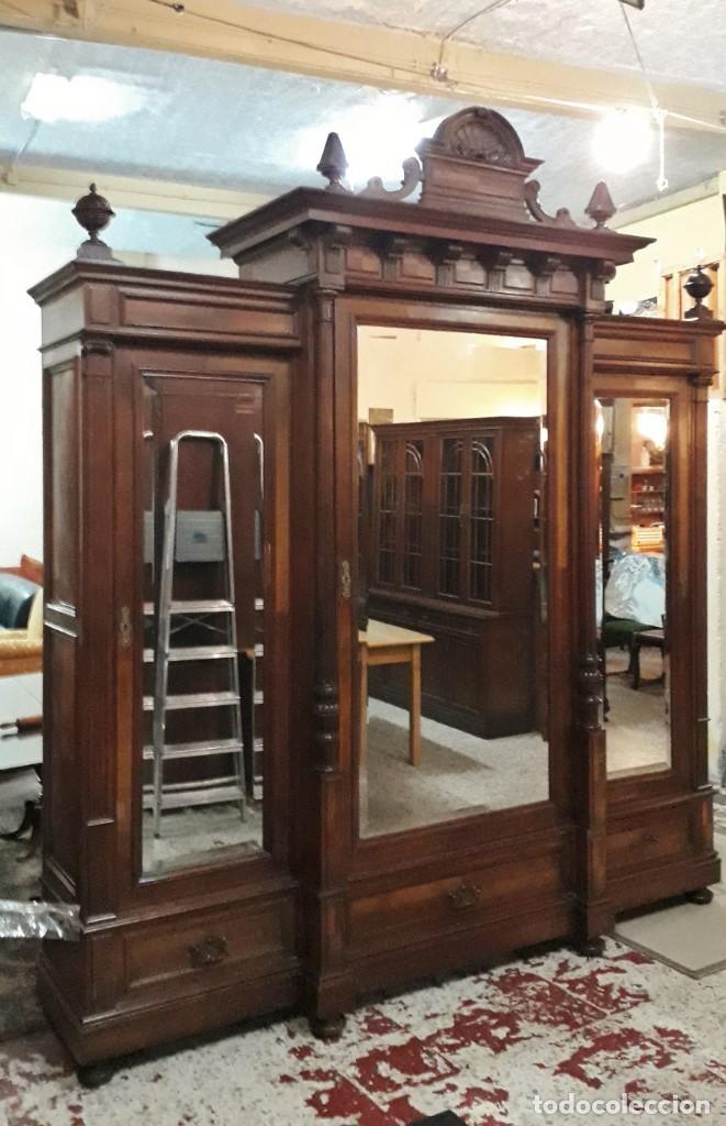 Antigüedades: Armario antiguo estilo alfonsino. Gran armario ropero antiguo con espejo estilo isabelino grande. - Foto 2 - 190868583