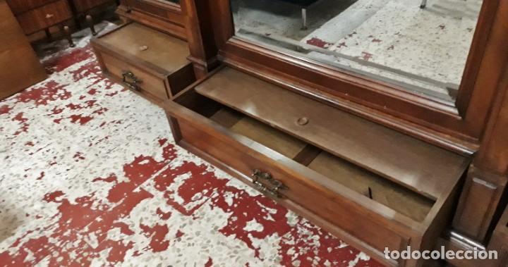 Antigüedades: Armario antiguo estilo alfonsino. Gran armario ropero antiguo con espejo estilo isabelino grande. - Foto 10 - 190868583