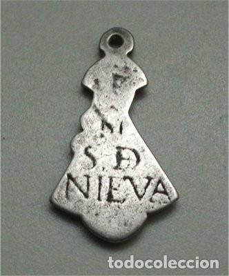 Antigüedades: Antigua medalla religiosa de Nuestra Señora de la Soterraña de Nieva (siglo XVIII) - Foto 2 - 190882636