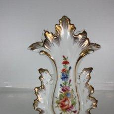 Antigüedades: PRECIOSO JARRÓN ESTILO ISABELINO - PORCELANA VIEJO PARÍS, FRANCIA - S. XIX. Lote 190895843