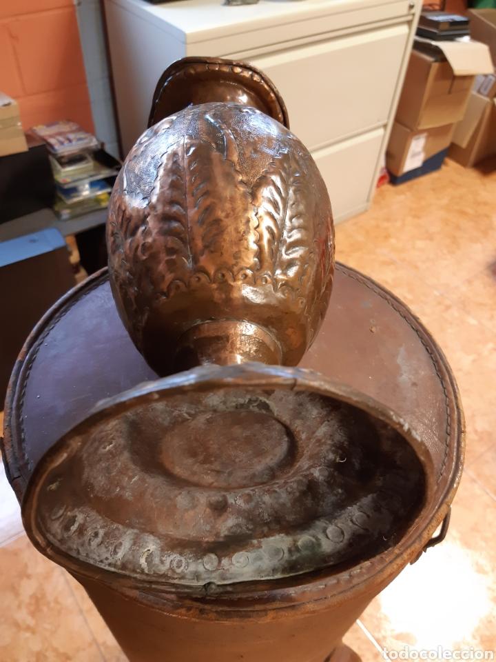 Antigüedades: Antiguo jarron de bronce con relieves decorativos - Foto 4 - 190897352