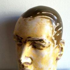 Antigüedades: CABEZA MANIQUÍ BUSTO HOMBRE ESCAPARATE SOMBRERO ART DECO? PRINCIPIOS DEL XX ESCAYOLA YESO. Lote 190901240