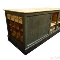 Antigüedades: MUEBLE MOSTRADOR O MESA DE TRABAJO. Lote 190910600