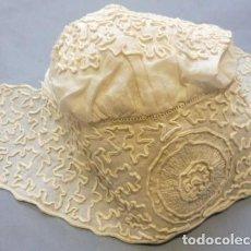 Antiquités: ANTIGUO GORRO DE MUSELINA Y ENCAJE PARA MUÑECA S. XIX. Lote 190933993
