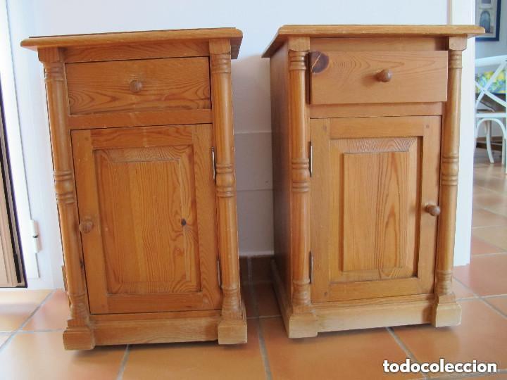 PAREJA DE MESILLAS RONDEÑAS (Antigüedades - Muebles Antiguos - Auxiliares Antiguos)