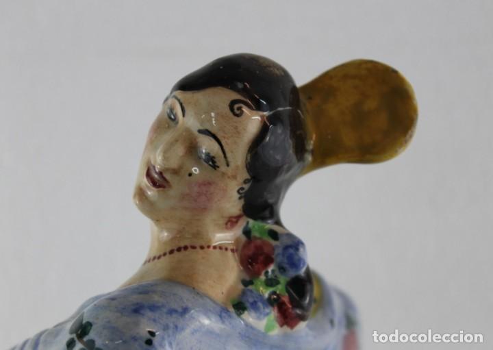 Antigüedades: FLAMENCA CON MANTÓN EN CERÁMICA ESMALTADA A MANO - MANISES O TRIANA - PRINCIPIOS DEL SIGLO XX - Foto 15 - 191009046