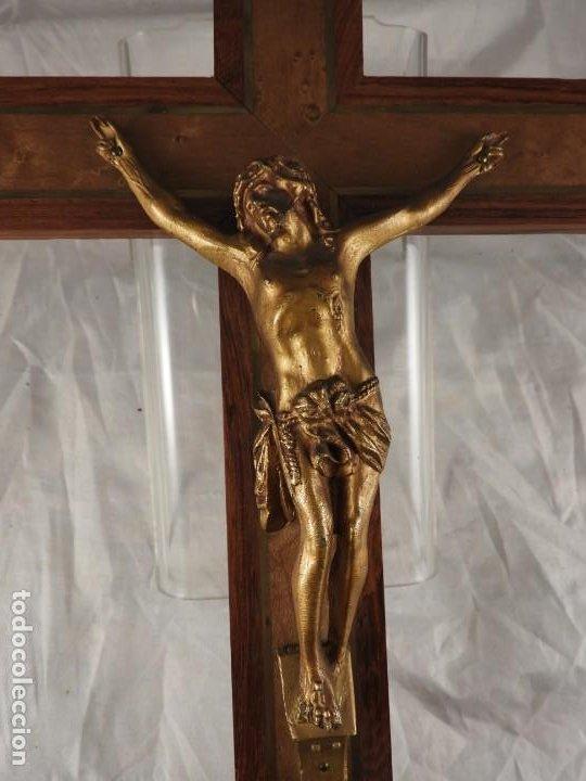 Antigüedades: CRISTO EN LA CRUZ DE MADERA DE MARQUETERIA - Foto 2 - 191014297