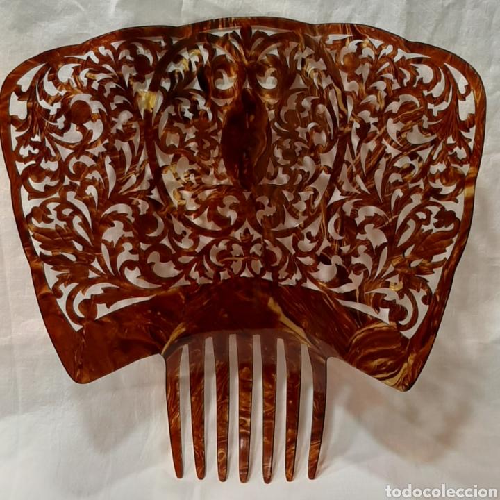 Antigüedades: ANTIGUA GRAN PEINETA SIMIL CAREY. PERFECTO ESTADO. - Foto 4 - 191094712
