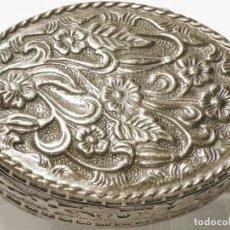 Antigüedades: CAJA PASTILLERO DE PLATA MACIZA CONTRASTADA. Lote 191115722