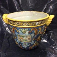Antigüedades: TALAVERA ANTIGUA JARDINERA EN CERÁMICA DE TALAVERA 35 CM ALTURA. Lote 191117690