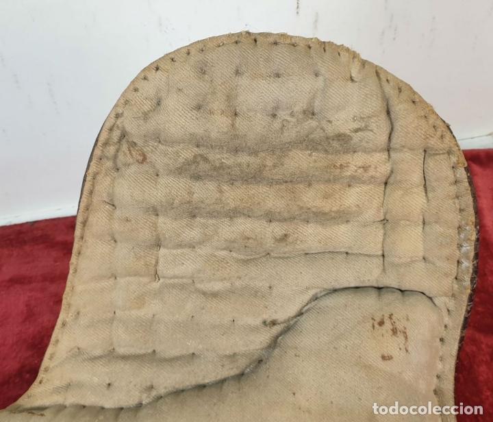 Antigüedades: SILLA DE MONTAR A CABALLO. HECHA DE CUERO. ESPAÑA. SIGLO XIX-XX. - Foto 12 - 191136938