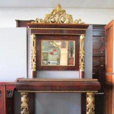 Antiquités: CONSOLA ISABELINA - MADERA DE CAOBA - TALLA DE MADERA DORADA EN PAN DE ORO - S. XIX. Lote 191144023