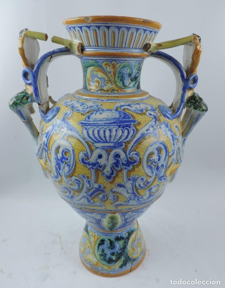 Antigüedades: Jarrón tipo ánfora de cerámica Talavera, Niveiro, Gran Tamaño mide 51 x 37 cms. Dedicado por - Foto 2 - 191151080