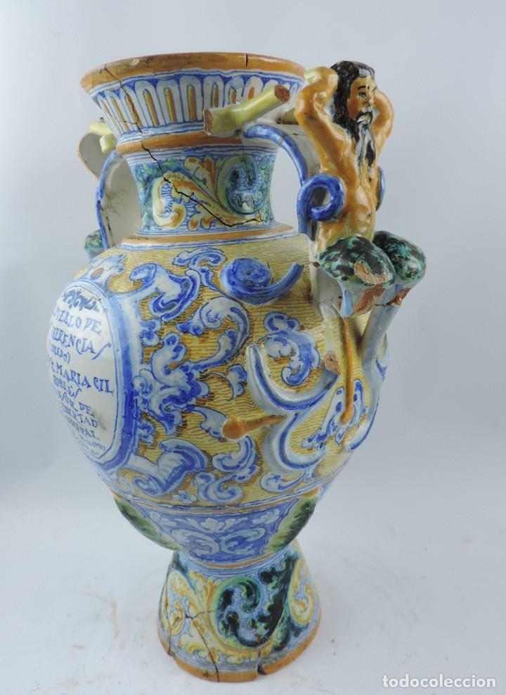 Antigüedades: Jarrón tipo ánfora de cerámica Talavera, Niveiro, Gran Tamaño mide 51 x 37 cms. Dedicado por - Foto 10 - 191151080