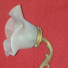 Antigüedades: APLIQUE DE BRONCE . Lote 191178095