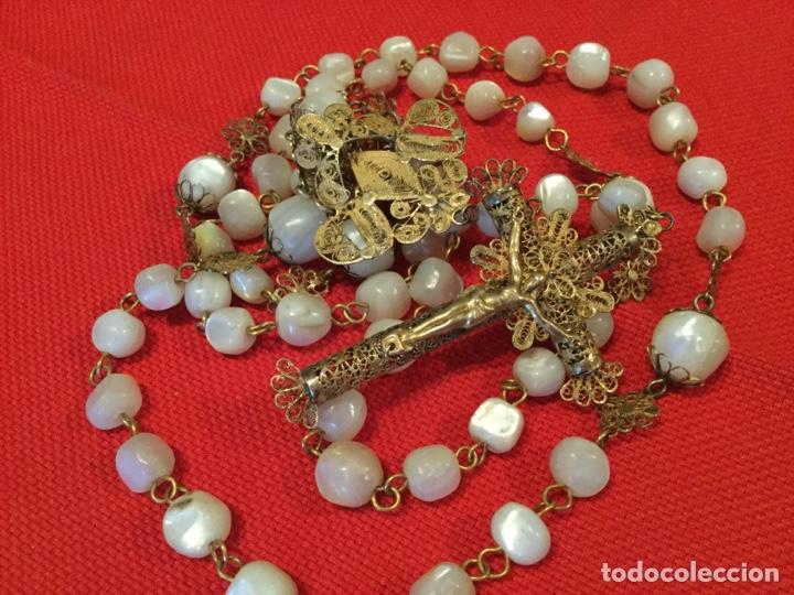 EXCEPCIONAL ROSARIO SIGLO XIX,EN PLATA DORADA FILIGRANA Y CUENTAS DE NÁCAR (Antigüedades - Religiosas - Rosarios Antiguos)