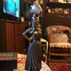 "Antigüedades: FIGURA ""LA LECHERA"" EN BRONCE BLANCO. Lote 191193705"
