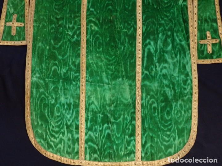 Antigüedades: Casulla con su estola confeccionada en terciopelo. Hacia 1900. - Foto 15 - 191221553